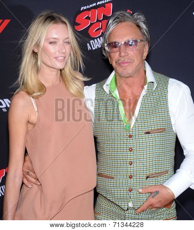 LOS ANGELES - AUG 19:  Mickey Rourke arrives to the