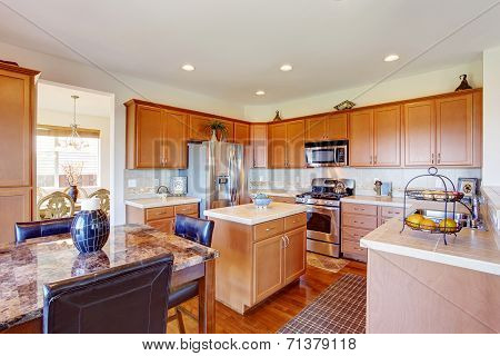 Kitchen Room With Granite Top Dining Table