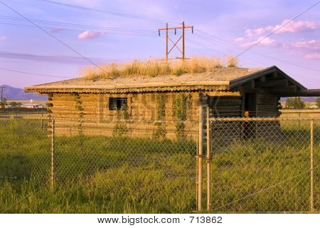 Historic Old Pinoeer House Behind The Fences
