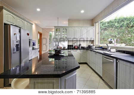 Interior design: Modern big kitchen