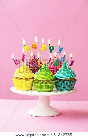 Happy birthday cupcakes on a cakestand