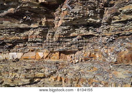 Structure of stone breakage