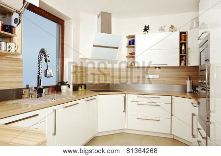 Wiev Into The Furnished Kitchen