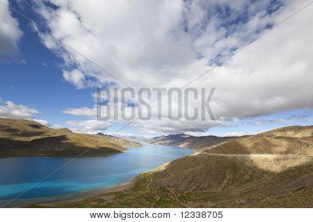 tibet: lake yamdrok yumtso