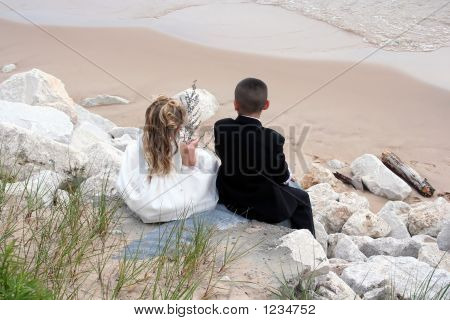 Wedding Kids At Beach_Filtered_Filtered