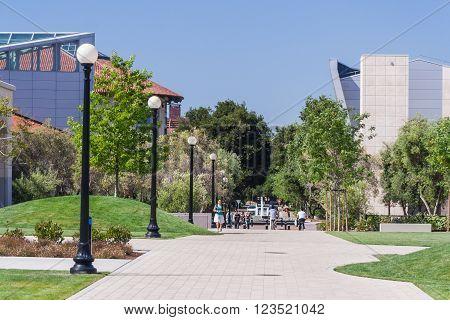 Palo Alto, Ca/usa - Circa June 2011: Students Walking In Stanford University Campus In Palo Alto,  C
