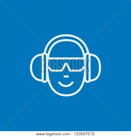 Man in headphones line icon.