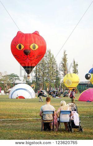 Family  Watch Animal Hot Air Balloon