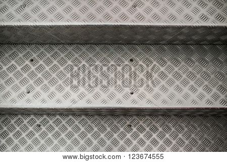 Aluminum Steps  With Non-slip Pattern.