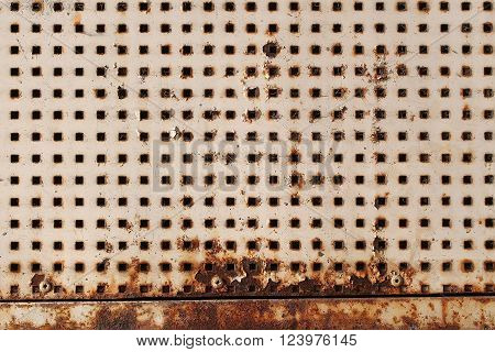 Metallic Plate With Square Holes