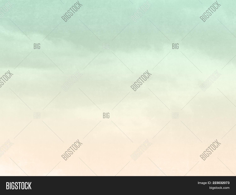 Retro sky in faded PowerPoint Template - Retro sky in faded ...