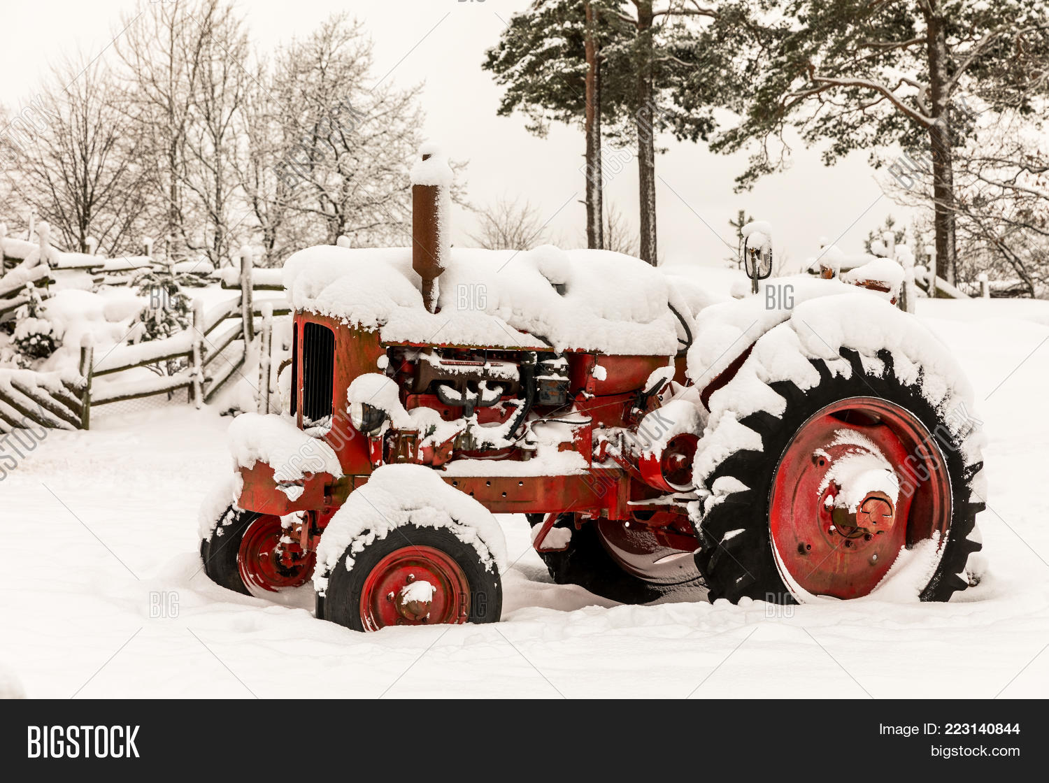 Old Red Tractor Powerpoint Template Old Red Tractor Powerpoint