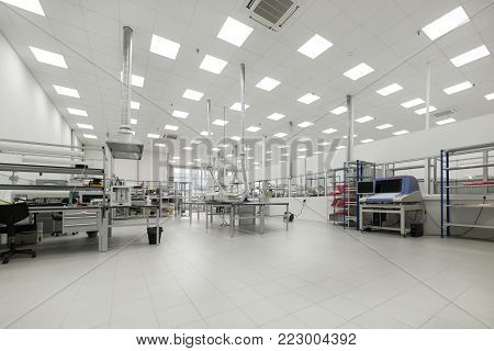 Factory for the manufacture of electronic printed circuit boards. Workshop surface mounting and pre-assembly. Electronic industry.