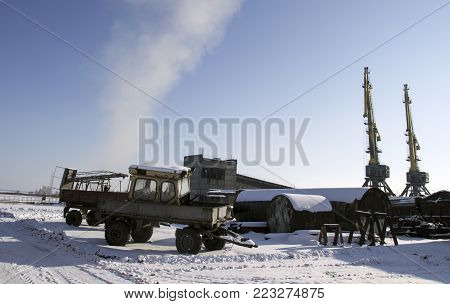 Industrial, Murmansk, a lot of old equipment