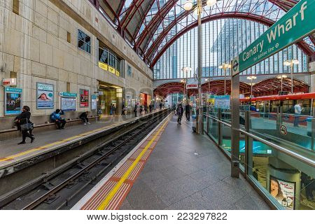 LONDON, UNITED KINGDOM - OCTOBER 07: This is Canary Wharf station Docklands light railway platform on October 07, 2017 in London