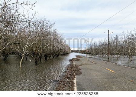 CHICO, CALIFORNIA - FEBRUARY 20: An atmospheric river extreme weather event causes the Sacramento River to flood nearby farmland on February 20, 2017 in Chico, California.