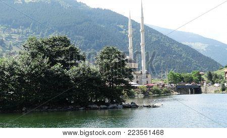 mosque at the bottom of the mountain and by the lake, dağın dibinde ve göl kenarında cami