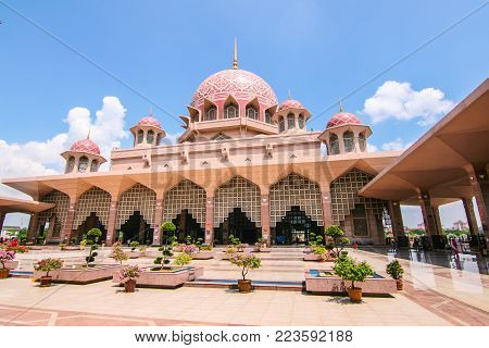 The Putra Mosque or Masjid Putra; the principal mosque of Putrajaya, Malaysia.