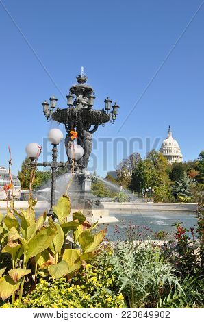 The Bartholdi fountain is located near greenhouses of the Botanical garden.  Square with the Bartholdi fountain - the simple vacation spot of  Washington. The fountain is a symbol of success and abundance. The Bartholdi fountain is located near greenhouse