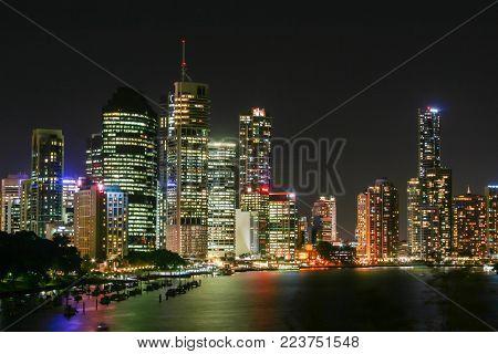 BRISBANE, AUSTRALIA - OCTOBER 05, 2012 : Brisbane City and riverside from Kangaroo Point Cliffs.