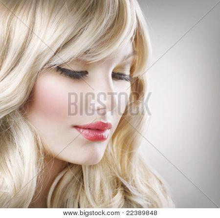 blond hair.beautiful Frau portrait.hairstyle