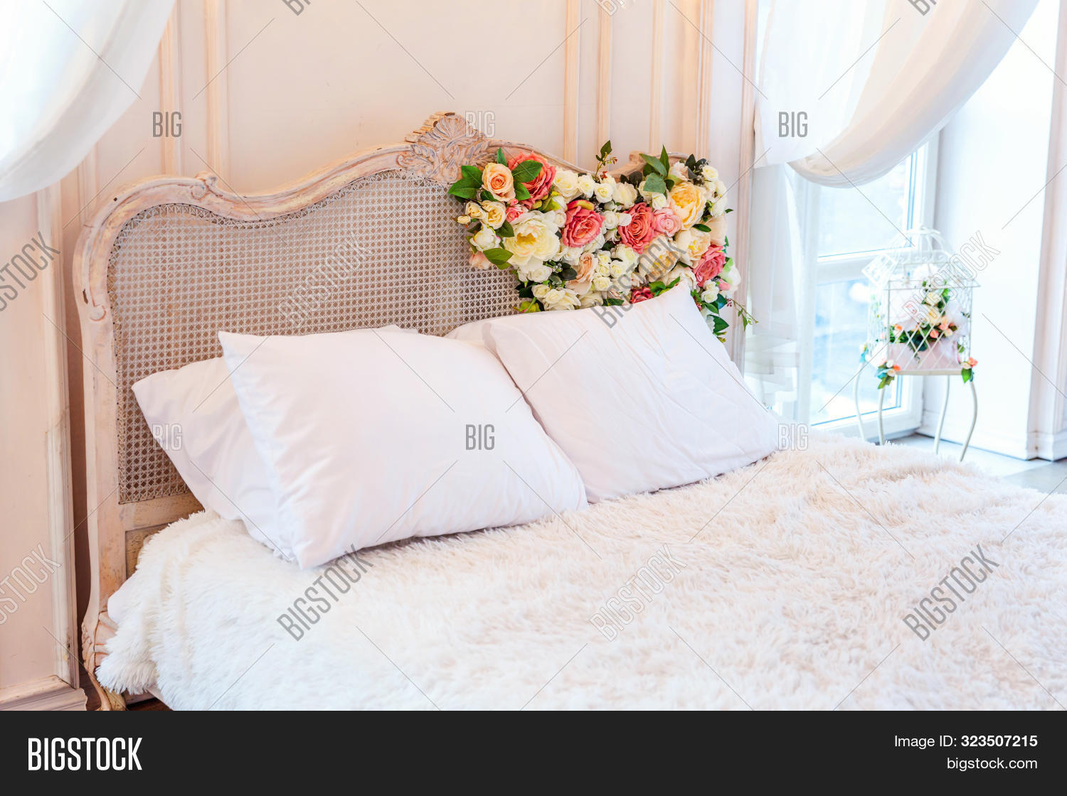 Picture of: Beautiful Luxury Image Photo Free Trial Bigstock