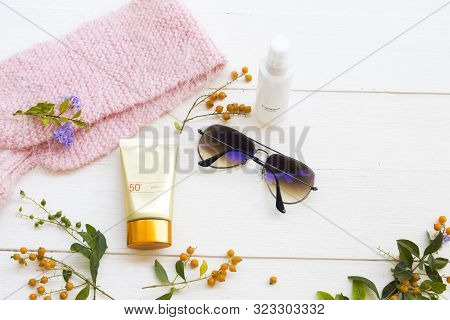 Sunscreen Spf50 ,collagen Water Cosmetics Beauty Makeup For Skin Face And Sunglasses ,knitting Wool