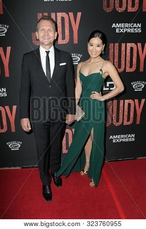 LOS ANGELES - SEP 19:  Sebastian Roche, Alicia Hannah at the