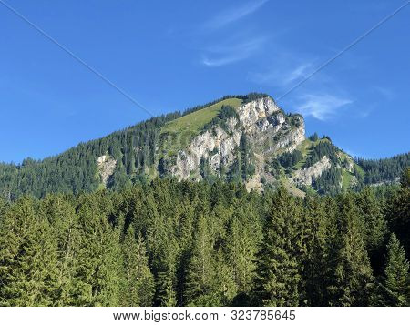 Barensoolspitz (baerensoolspitz Or Bärensoolspitz) Mountain Above The Oberseetal Valley And Alpine L
