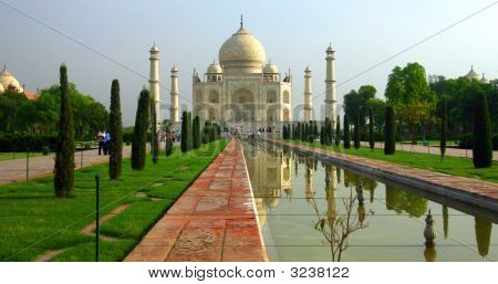 Taj Mahal In The Morning