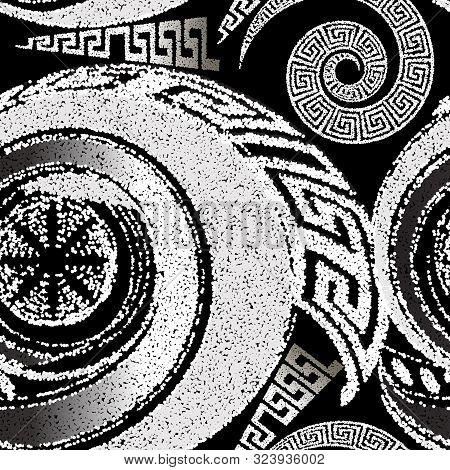 Stippled Halftone Black And White Geometric Seamless Pattern. Dotted Ornamental Greek Background. Re