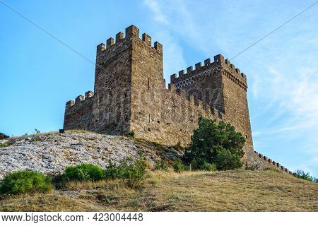 Consular Castle, Medieval Fort On Top Of Genoese Fortress In Sudak, Crimea. It Was Built In Xiv Cent