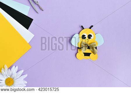 Do It Yourself. Diy Bees Made Of Colored Paper With Kids At Home. Step-by-step Instructions. Top Vie