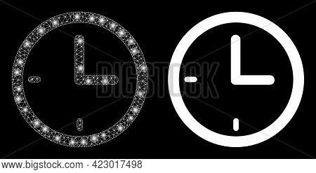 Glossy Mesh Vector Clock With Glare Effect. White Mesh, Glare Spots On A Black Background With Clock