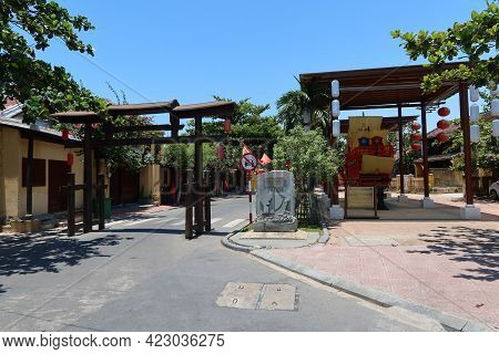 Hoi An, Vietnam, May 23, 2021: Nguyen Thi Minh Khai Street Entrance Arch Located Next To The Commemo