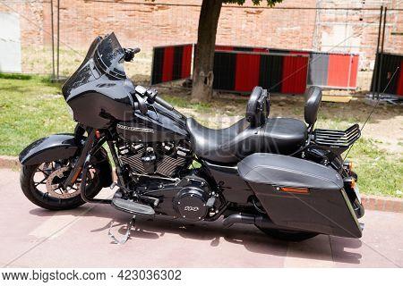 Bordeaux , Aquitaine France - 06 06 2021 : Harley Davidson 114 Black Bike Electra Road Glide Motorbi