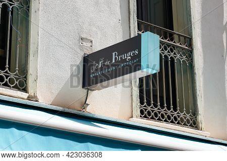 Bordeaux , Aquitaine France - 06 06 2021 : Jeff De Bruges Brand Logo And Text Sign Front Of Shop Can
