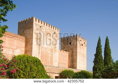 Alhambra De Granada. Alcazaba. Gebrochen und Hommage Türme