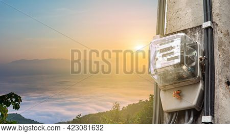 The Electricity Meter Measures The Cost Of Electricity, Converts The Energy Into Cost Money.