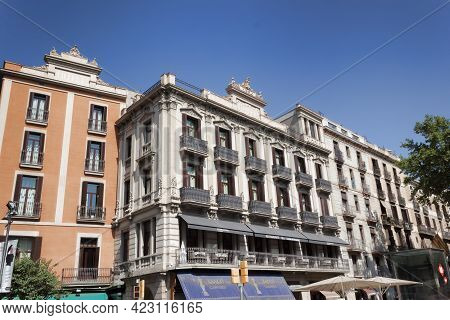 Barcelona, Spain - July 15, 2013: Architecture On La Rambla In Barcelona