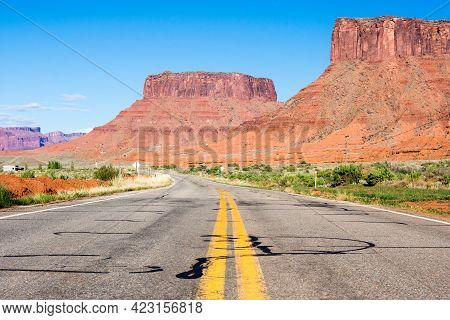 Scenic State Route 128 Leading To Castle Valley - Utah, Usa