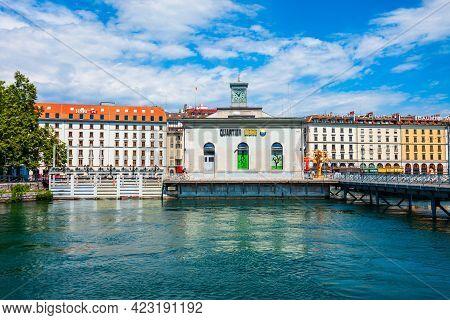 Geneva, Switzerland - July 20, 2019: Pont De La Machine Or Arcade Des Arts Is A Historic Building On