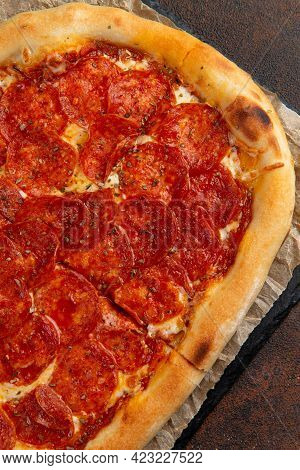 Pepperoni Pizza - Fresh Homemade Pizza With Pepperoni, Cheese And Tomato.