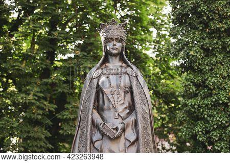 Buftea, Romania - June 6, 2021: Statue Of Queen Mary Of Romania (regina Maria, Marie Of Romania) The