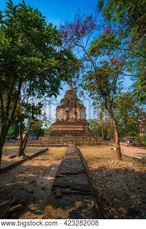 Wat Chet Yot Or Wat Photharam Maha Wihan, Seven Pagoda Temple It Is A Major Tourist Attraction In Ch