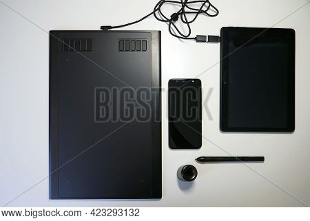 Drawing And Using A Graphics Tablet. Drawing And Using A Graphics Tablet