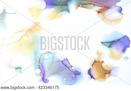 Bright Liquid Fluid Swirl Paint Fluid. Gold Artistic Liquid Watercolour Mixed Fluid Acrylic. Purple