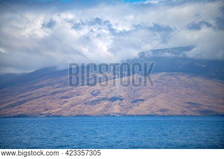 Beach In Hawaii, Dream Landscape. Paradise Sunny Beach With Turquoise Sea. Summer Vacation And Tropi