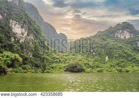 Trang An Scenic Landscape Complex In Ninh Binh Province, Vietnam A Unesco World Heritage Site. Resum