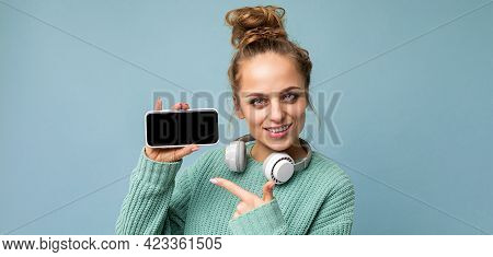 Panoramic Closeup Photo Of Attractive Positive Smiling Young Woman Wearing Stylish Casual Outfit Iso